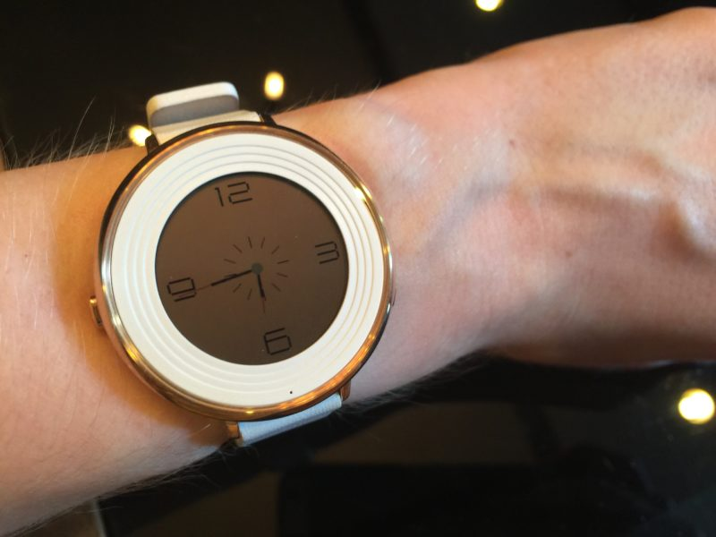Pebble Time Round уникальные смарт часы