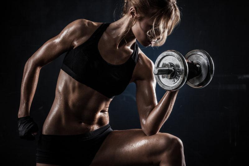 Фитнесс девушка мышечная масса